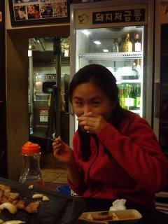Seoyoung beim Schlonzen