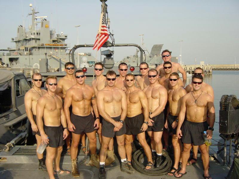 Пентагон впервые в истории США разрешил военнослужащим прийти на гей-парад.