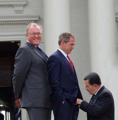 Bush threesome