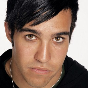 It looks like the bitch-slapping between Island Def Jam's Pete Wentz of Fall ...