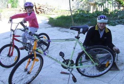 Leon joins up bike chain