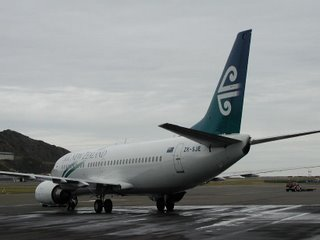 Air New Zealand B737 being pushed into place