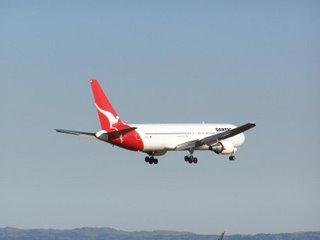 Qantas B767
