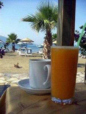 Akyaka'da sabah kahvesi
