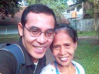 Ceu Ana dan saya dalam kunjungan terakhir saya ke asrama awal tahun ini