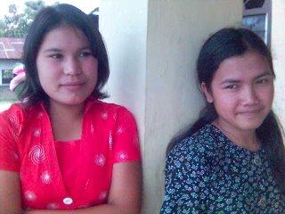 Esra dan Sarmaida, guru Sekolah Minggu yang baik. Salut deh