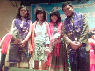 Monica, Hilda, Christin dan Roki Damanik (kakak Monica)