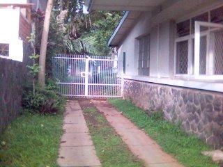 Pintu Gerbang menuju Asrama Wisma Sejahtera di Bandung