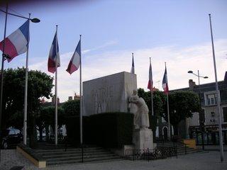 Monument aux morts de la guerre 1914-1918, Place Lafayette, Châteauroux