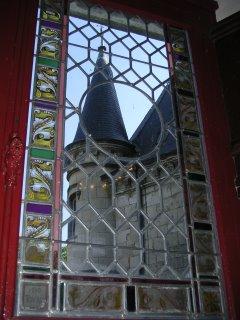 Vue sur une tour du château Raoul, depuis le château