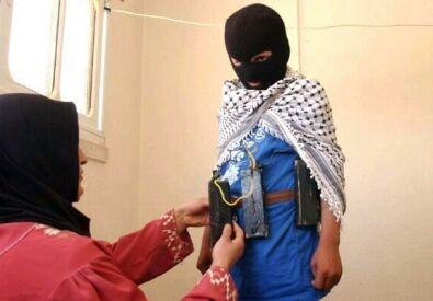 Les enfants martyr - islam= culte de moloch des temps modernes Suicidekid