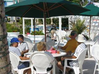 beach bar beertime