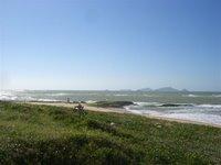 Praia de um lado... - Beach at one side