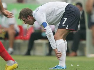 David Beckham vomitando