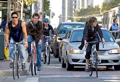Image of bicyclists on Market Street in San Francisco