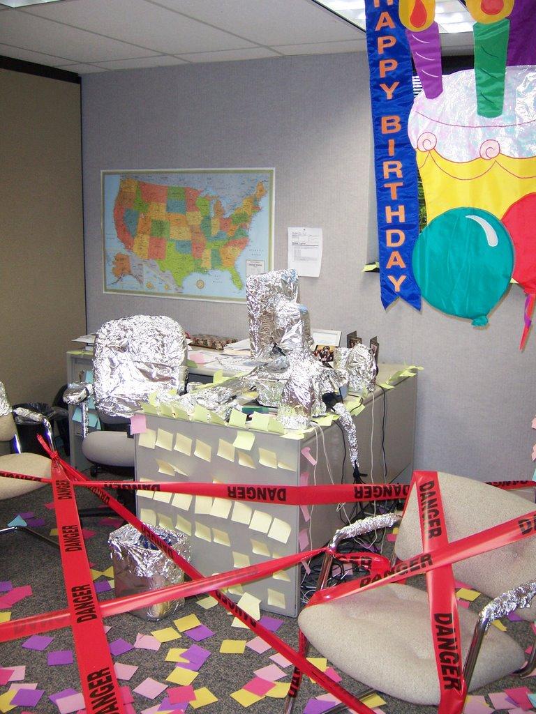 Pics photos amusing workplace pranks ideas funny and revenge pranks