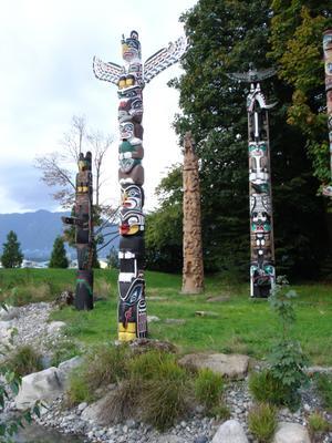Totems dans Stanley Park (Vancouver, Colombie Britannique, Canada)