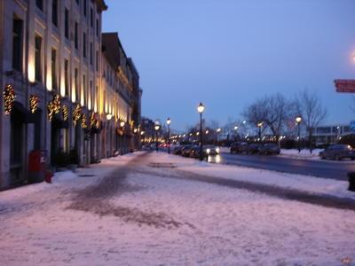 Près du port (Ville de Montréal, province du Québec, Canada)