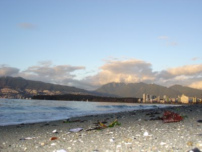 Vue de Stanley Park et de North Vancouver depuis Kitsilano (Vancouver, Colombie Britannique, Canada)