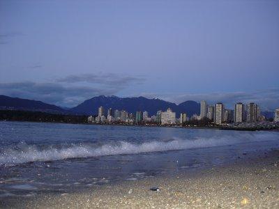 Vancouver West End et Stanley Park depuis Jerricho Beach, (Vancouver, Colombie Britannique, Canada)