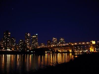 Burrard Bridge by night (Vancouver, Colombie Britannique, Canada)