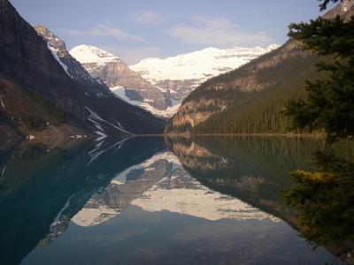 Lake Louise à côté de Banff (Montagnes rocheuses canadiennes en Colombie Britannique - Alberta)