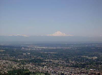 Banlieue de Vancouver et le Mont Baker en arrière plan (Vancouver, Colombie Britannique, Canada)