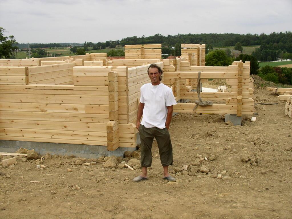 auto construction en charente d 39 une maison en bois. Black Bedroom Furniture Sets. Home Design Ideas