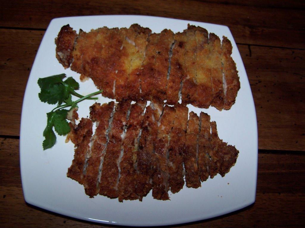 Vientiana lao cuisine: côtes de porc panées à la japonaise (tonkatsu)