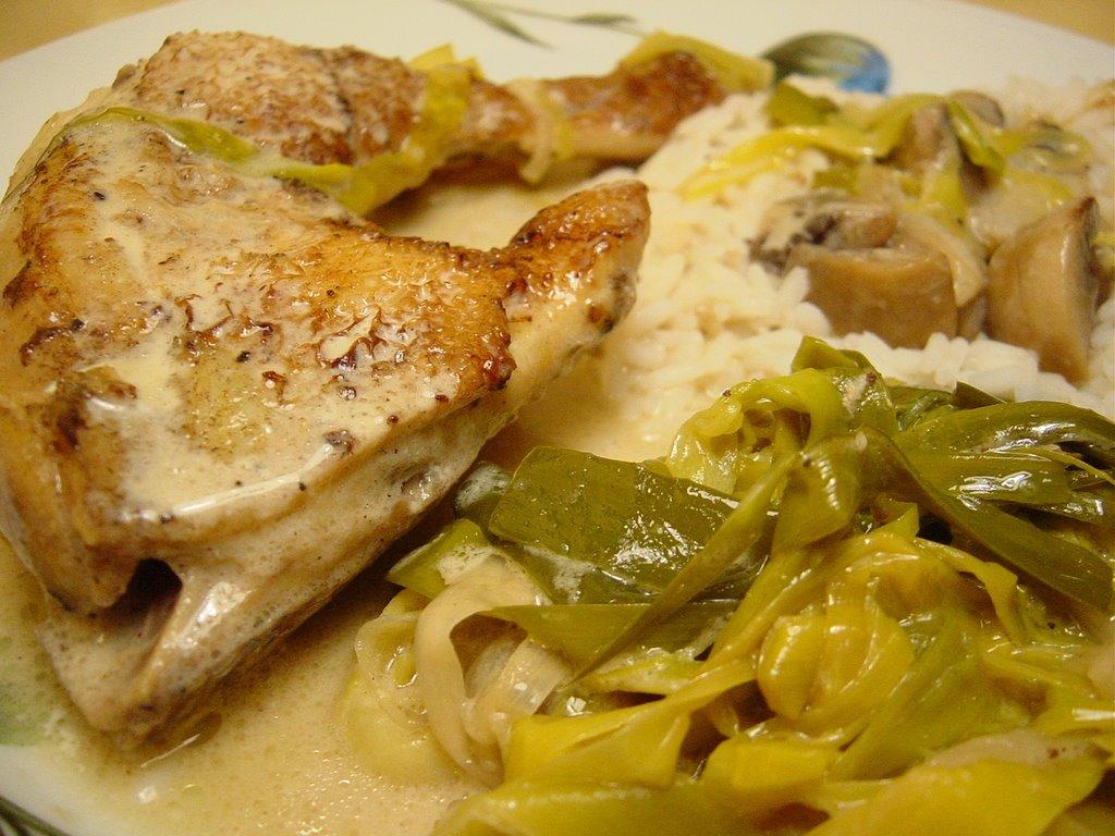 Poulet au poireau et aux champignons sauce l 39 hydromel - Cuisse de poulet en sauce ...