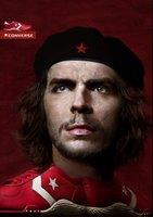 ¿Es la foto de un Che humanizado o un Aznar a quien se humilla poniéndole al nivel de un terrorista?