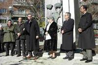 Gallardón junto a los representantes de la dictadura cubana en España