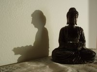buddha and shadow (c) Kayar Silkenvoice