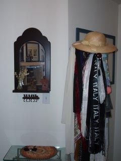 Silk scarves on a coat-tree (c) Kayar Silkenvoice