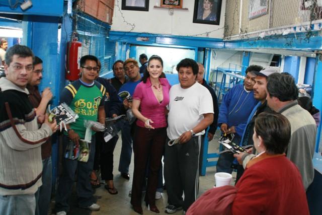 Lourdes Munguía visitó la Unión de Voceadores