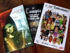 Comprei alguns quadrinhos. Tinha como resistir?