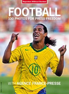 Football : 100 photos for press freedom