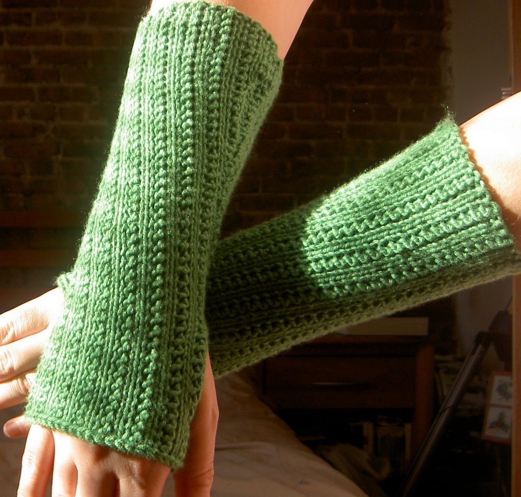Knit Arm Warmer Pattern : schrodinger knits: Supple rib knit arm warmers