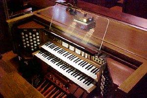 Organ Console, Walkerville