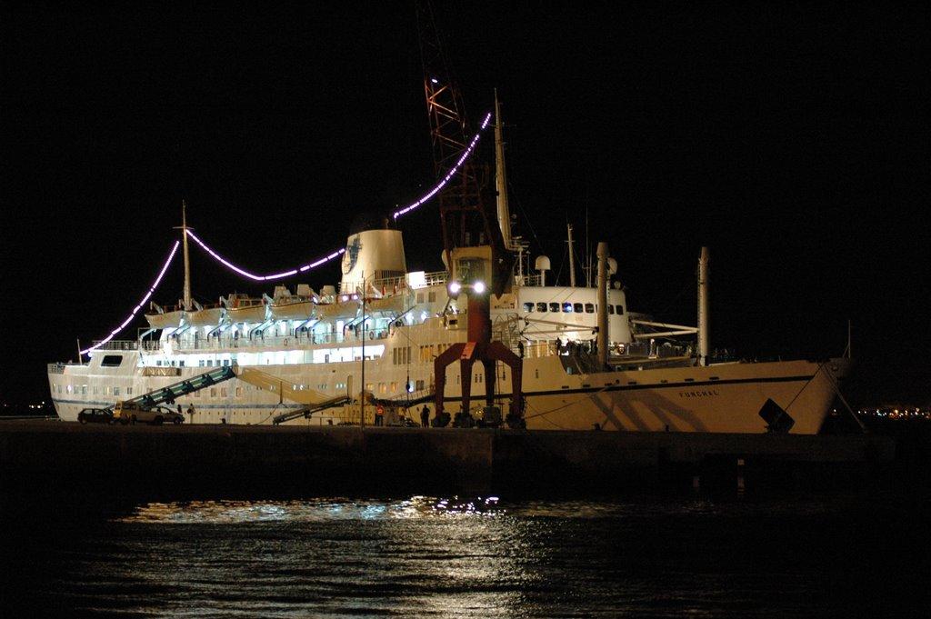 2006 numa reportagem de lus miguel correia o navio atracou em