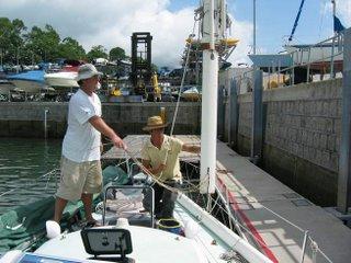 Hauling the mast