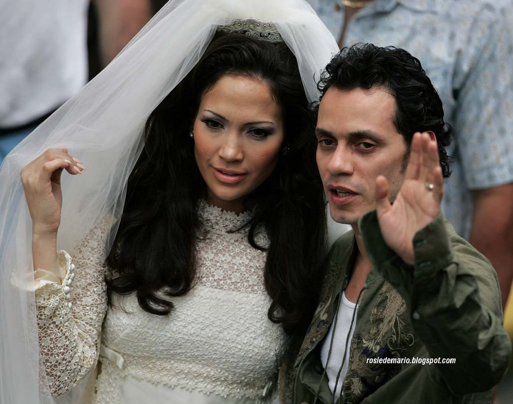 Jennifer lopez wedding dress marc anthony wwwpixshark for Jlo wedding dress