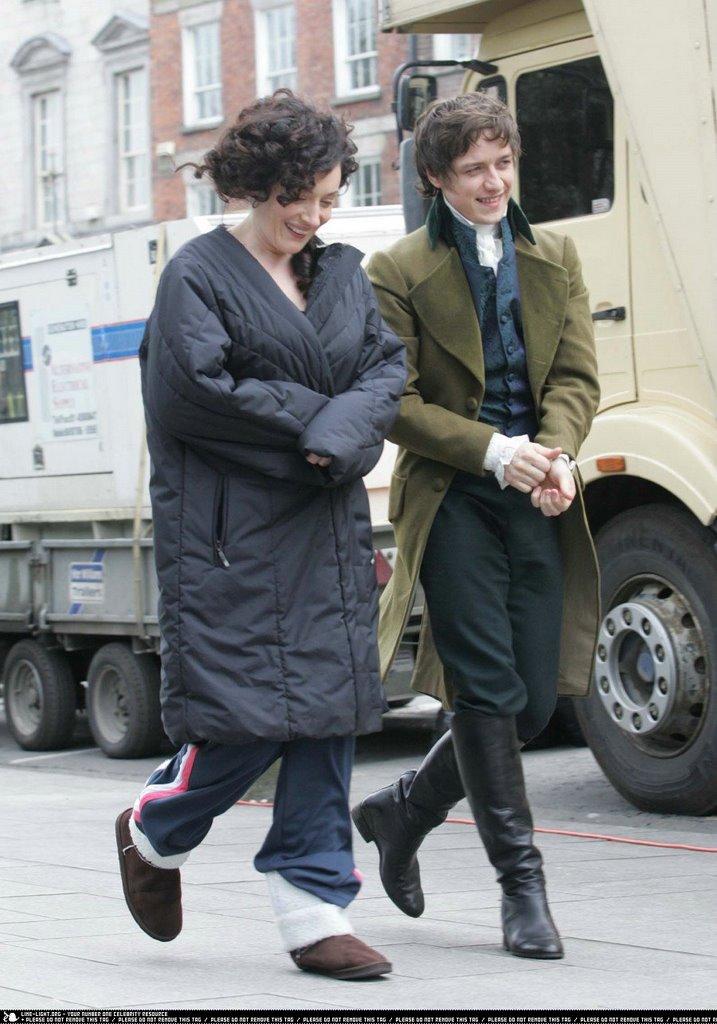 Smart Anne Hathaway As Jane Austen Maybe On Set