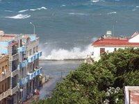 Penetraciones del mar en el Malecon Habanero
