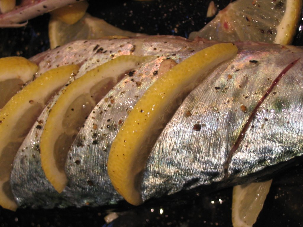 Confessions of a food nazi cooking whole fish for Fish without mercury