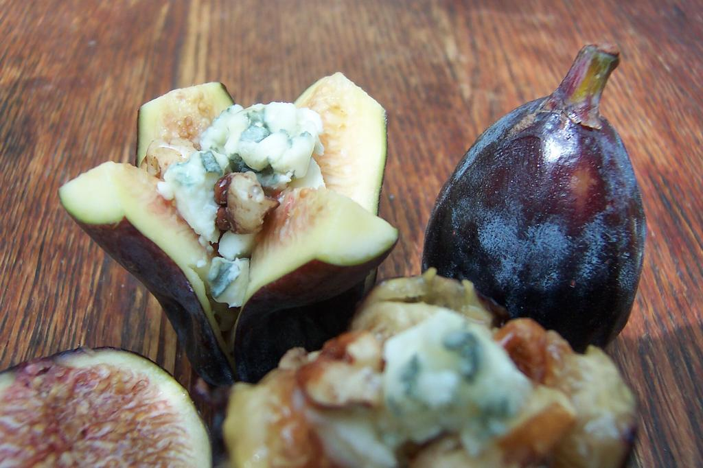 Figs with Blue Cheese and Honey