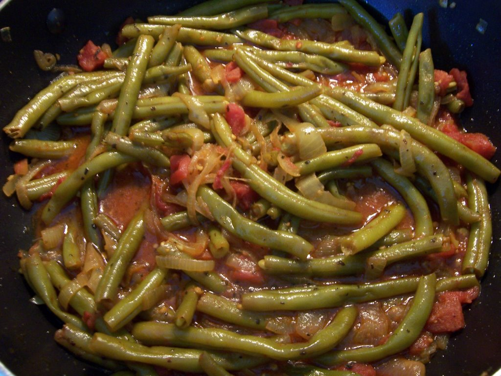 What were cooking now lubiyeh lebanese string beans with tomato lubiyeh lebanese string beans with tomato and olive oil forumfinder