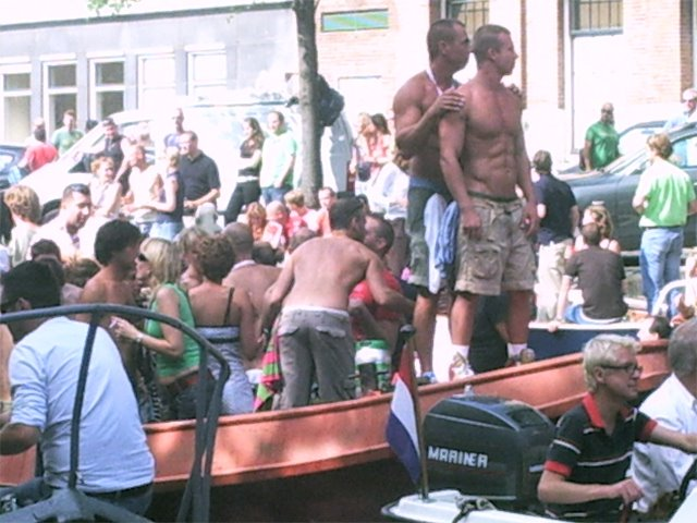 Live gang bangs in clubs