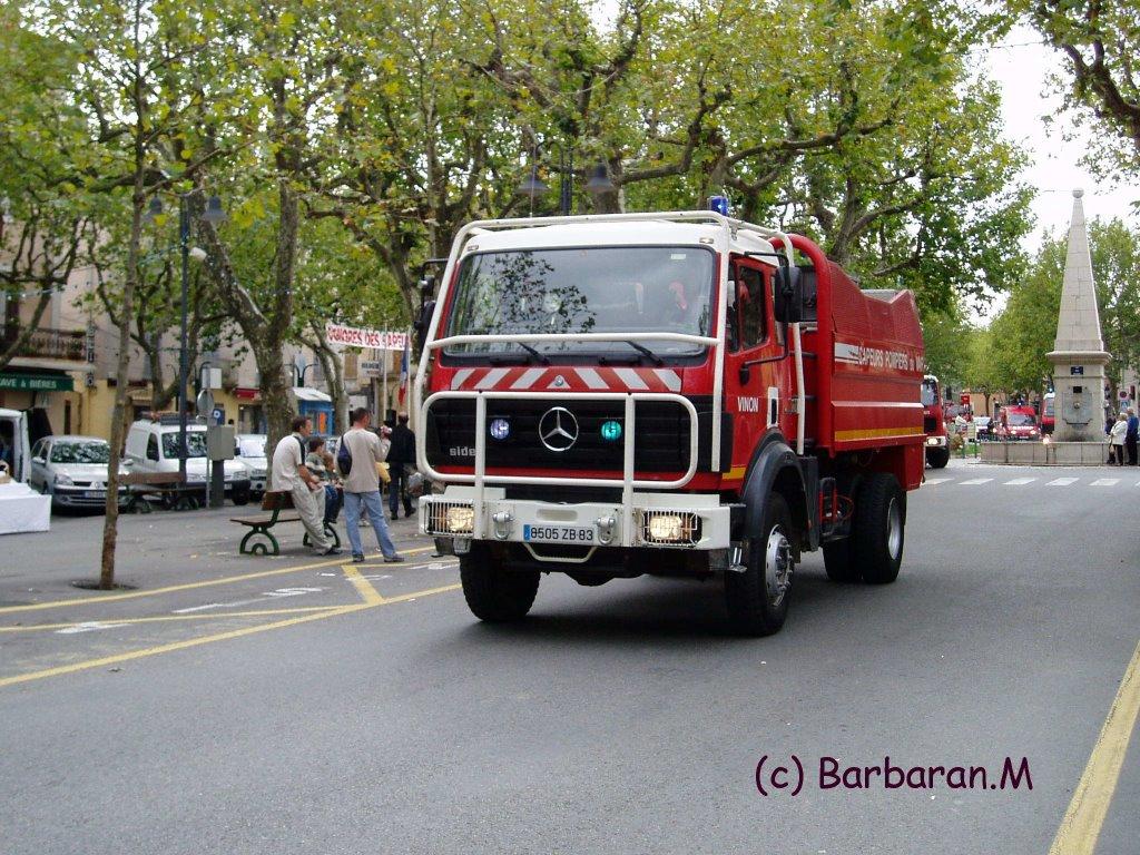 le monde des sapeurs pompiers en photo ccfs camion citerne feux de for ts super. Black Bedroom Furniture Sets. Home Design Ideas