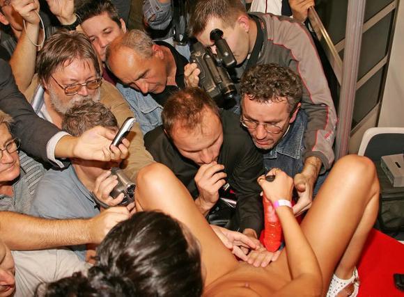 жена на вечеринке фотоинтим